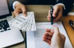 Изменя се програмата за безлихвени кредити предвидени за хора загубили работата си